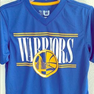 Warriors Kids V-Neck Shirt 🏀💛💙🏀